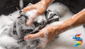Consejos: ¿Cómo remojar la ropa sin dañarla? - Lavatodo